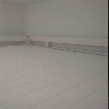 Rent this 3 bed room on Carrer de Jordi Juan in 12006 Castelló de la Plana, Castelló