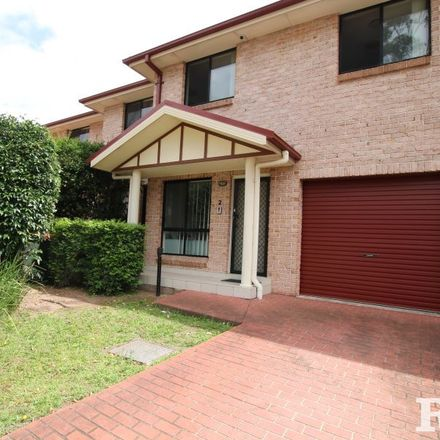 Rent this 3 bed townhouse on 2/42 Blenheim Avenue