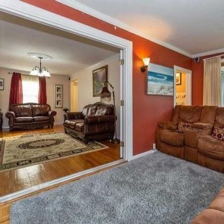 Rent this 3 bed house on 117 Harris Avenue in Hempstead, NY 11557