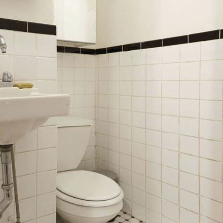 Rent this 3 bed apartment on 110 Mulberry St in New York, NY 10013