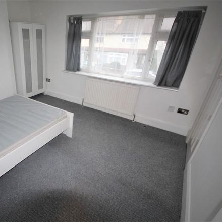Rent this 3 bed apartment on Middleham Road in London N18 2RY, United Kingdom