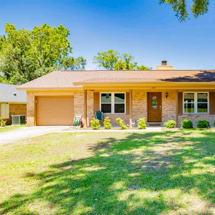 Rent this 3 bed house on Valley Ridge Way in Pensacola, FL