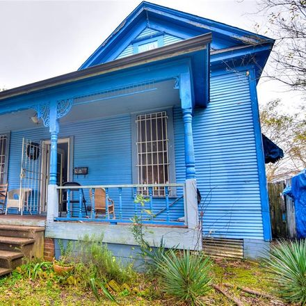 Rent this 3 bed house on 730 West 25th Street in Houston, TX 77008