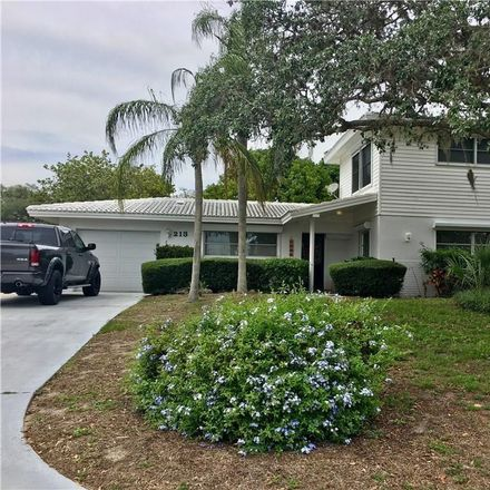 Rent this 3 bed house on 213 Westwinds Dr in Palm Harbor, FL
