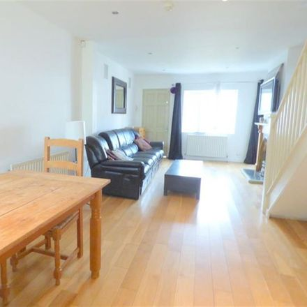 Rent this 5 bed house on Albion Road in London TW3 3RS, United Kingdom