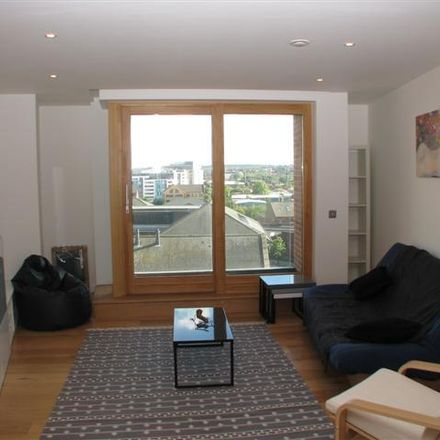 Rent this 2 bed apartment on Candle House in Wharf Approach, Leeds LS1 4GJ