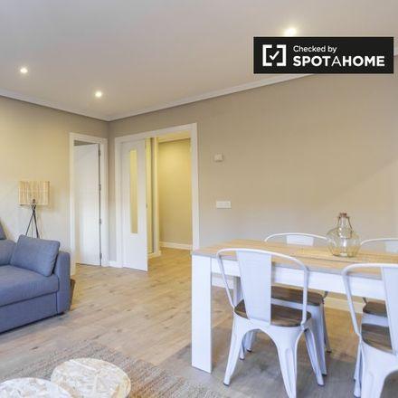 Rent this 2 bed apartment on Calle de Mira el Sol in 20, 28005 Madrid