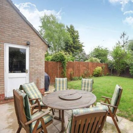 Rent this 2 bed house on Meadowsweet Close in Thatcham RG18 4DS, United Kingdom