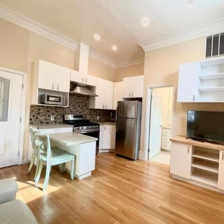 Rent this 2 bed house on 3907;3909;3911;3913;3915 24th Street in San Francisco, CA 94114