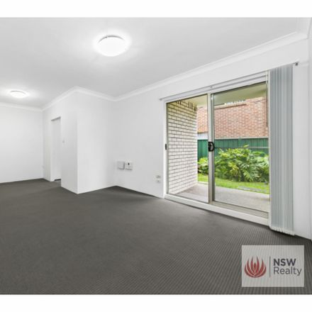 Rent this 2 bed apartment on 1/40-42 Park Street