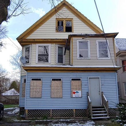 Rent this 6 bed townhouse on 135 Palmer Avenue in Syracuse, NY 13204