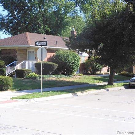 Rent this 3 bed house on Oak Park Boulevard in Oak Park, MI 48237