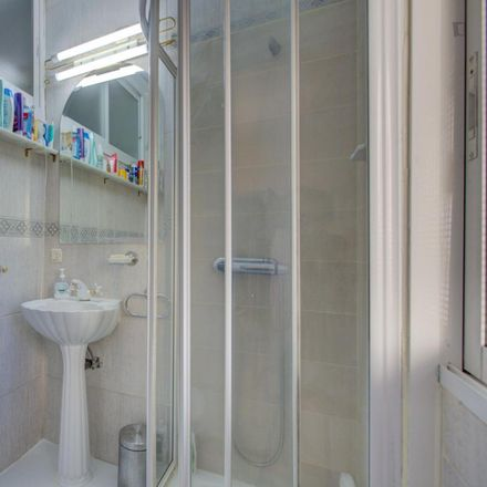Rent this 3 bed room on CaixaBank in Calle de Moratines, 28001 Madrid