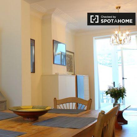 Rent this 1 bed apartment on Avenue du Front - Frontlaan 16 in 1040 Etterbeek, Belgium