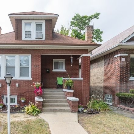 Rent this 3 bed house on 8916 South Racine Avenue in Chicago, IL 60620