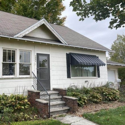 Rent this 3 bed house on 1251 Bartelt Street in Gresham, Shawano County