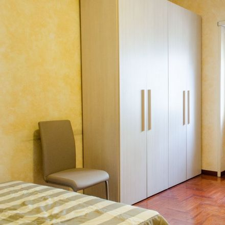 Rent this 3 bed apartment on Depa Phonecenter in Viale Giustiniano Imperatore, 181