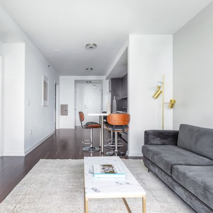 Rent this 1 bed apartment on 921;923;931 Folsom Street in San Francisco, CA 94103-3124
