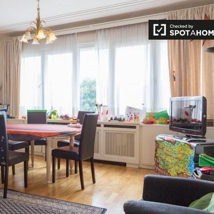 Rent this 2 bed apartment on Avenue Edouard Speeckaert - Edouard Speeckaertlaan in 1200 Woluwe-Saint-Lambert - Sint-Lambrechts-Woluwe, Belgium