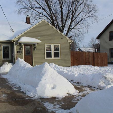 Rent this 3 bed house on 1313 10th Street in City of Beloit, WI 53511