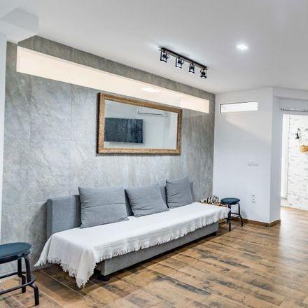 Rent this 3 bed apartment on Carrer de Berenguer Montoliu in 9, 46011 Valencia