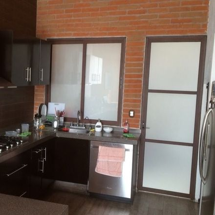 Rent this 1 bed room on Moctezuma
