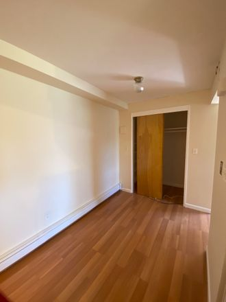 Rent this 2 bed apartment on 392 Flagg Place in New York, NY 10304