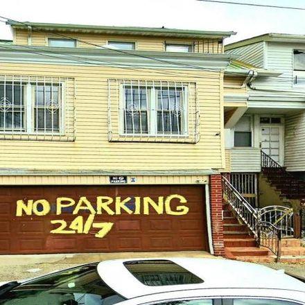 Rent this 4 bed house on 3311 Parkside Place in New York, NY 10467
