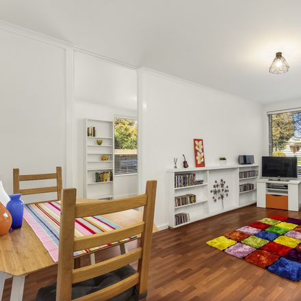 Rent this 2 bed apartment on 1/10 Newstead Street