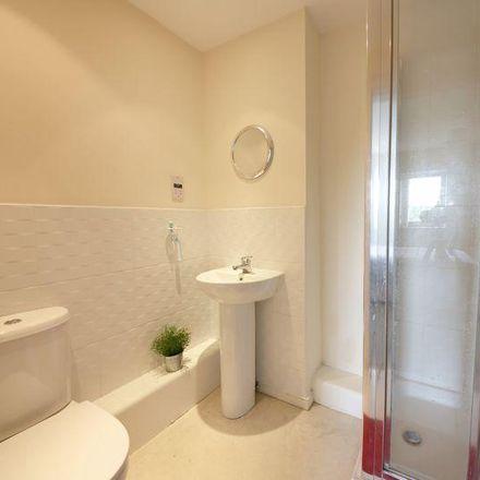 Rent this 2 bed apartment on Lock 5 in The Decks, Runcorn WA7 1GJ