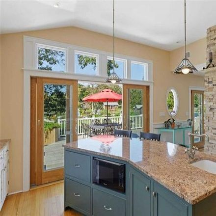 Rent this 3 bed house on 8 Penny Lane in Ponquogue, NY 11946