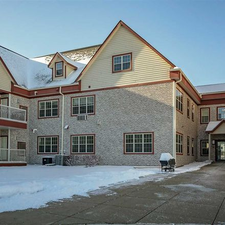 Rent this 2 bed townhouse on 945 Old Glory Way in Sun Prairie, WI 53590