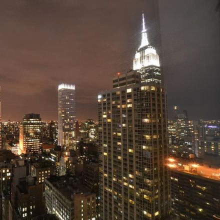 Rent this 3 bed condo on 100 West 39th Street in New York, NY 10018