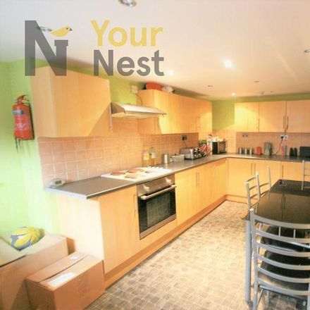 Rent this 6 bed house on Back Estcourt Terrace in Leeds LS6 3RL, United Kingdom