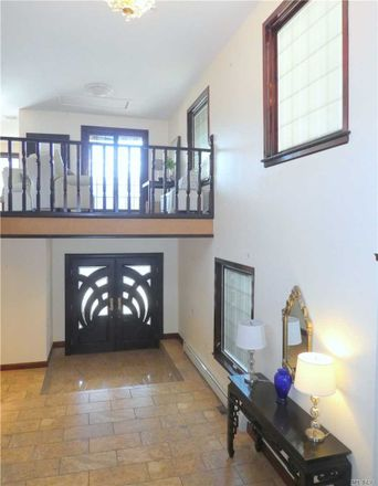 Rent this 4 bed house on 943 West Park Avenue in Long Beach, NY 11561