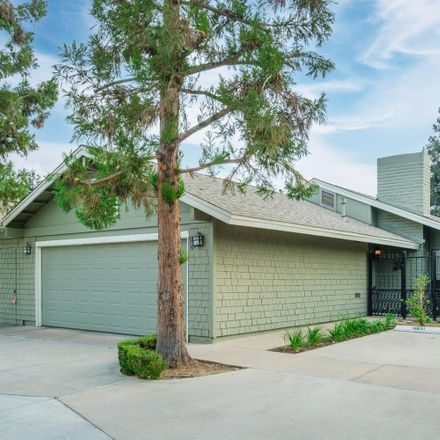 Rent this 3 bed condo on 319 West Bullard Avenue in Fresno, CA 93704