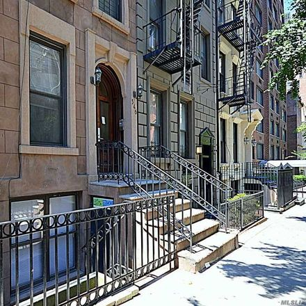 Rent this 3 bed duplex on 346 East 51st Street in New York, NY 10022