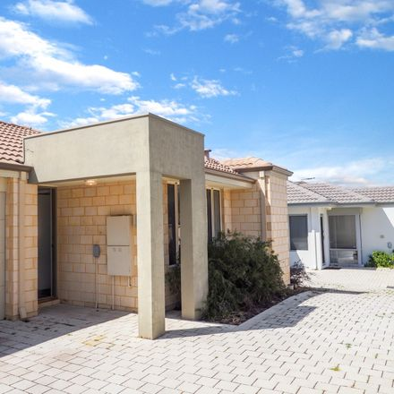 Rent this 2 bed townhouse on 18B Preston Way