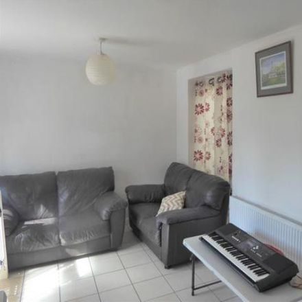 Rent this 2 bed apartment on Tivoli Road in London TW4 6AA, United Kingdom