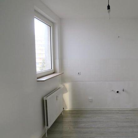 Rent this 3 bed apartment on Marienburger Straße 11 in 67659 Kaiserslautern, Germany