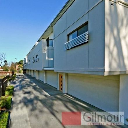 Rent this 3 bed townhouse on 13/3-7 James Street