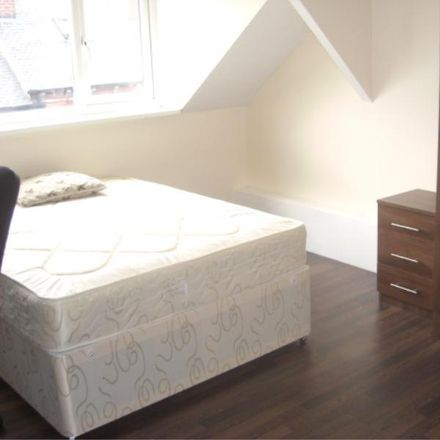 Rent this 6 bed house on Back Meadow View in Leeds LS6 1JQ, United Kingdom