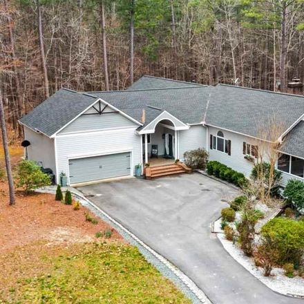 Rent this 4 bed house on Wisteria Ln in Eagle Rock, NC