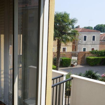 Rent this 3 bed room on Calle de Quintavale in 13, 30122 Venezia VE