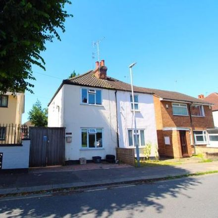 Rent this 2 bed house on M&M Motor Services in Dordans Road, Luton