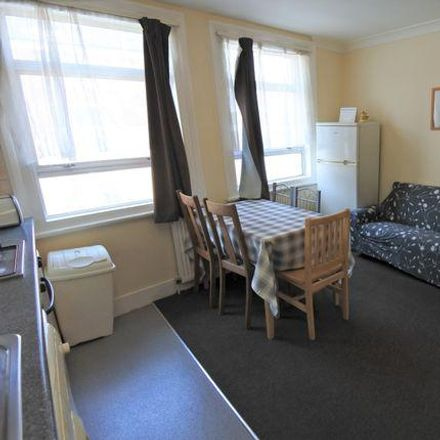 Rent this 3 bed apartment on Willesden Green in High Road, London NW10 2PB