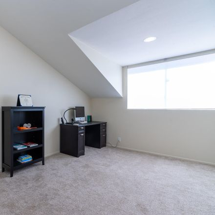 Rent this 4 bed house on 615 Hollyburne Lane in Thousand Oaks, CA 91360