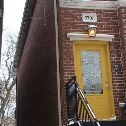Rent this 3 bed townhouse on 5307 West Leland Avenue in Chicago, IL 60630