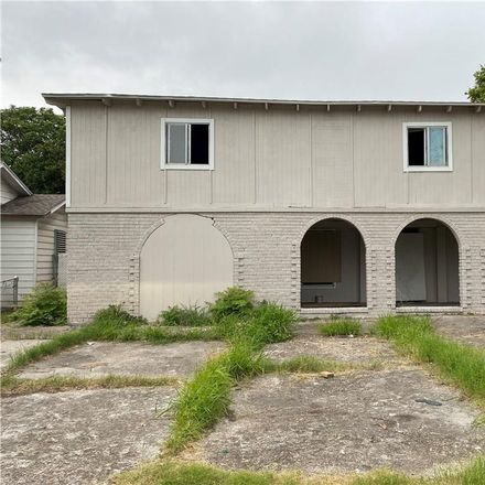 Rent this 4 bed townhouse on 2127 Yale Street in Corpus Christi, TX 78416
