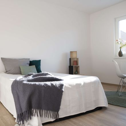 Rent this 3 bed apartment on Köhnshöhe 19 in 21680 Stade, Germany
